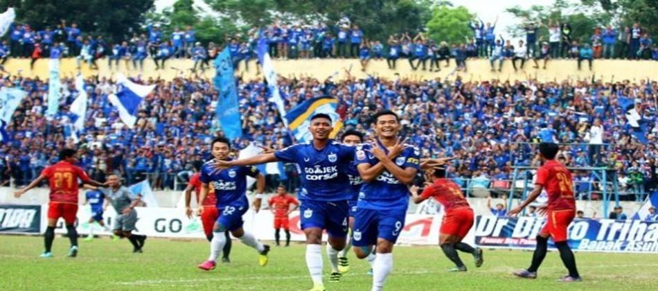 Bandarbola855 - Judi Bola Online - Prediksi PSIS vs PSMS Minggu 15 April 2018